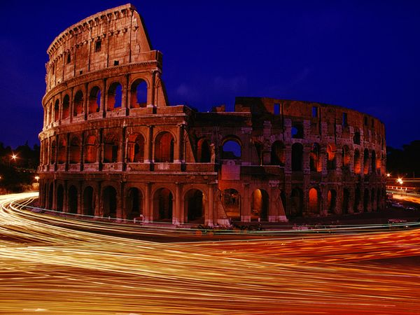 rome-colosseum-night_2825_600x450